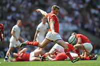 Dan Biggar of Wales clears his line during the Old Mutual Wealth Cup match between England and Wales at Twickenham Stadium on Sunday 29th May 2016 (Photo: Rob Munro/Stewart Communications)