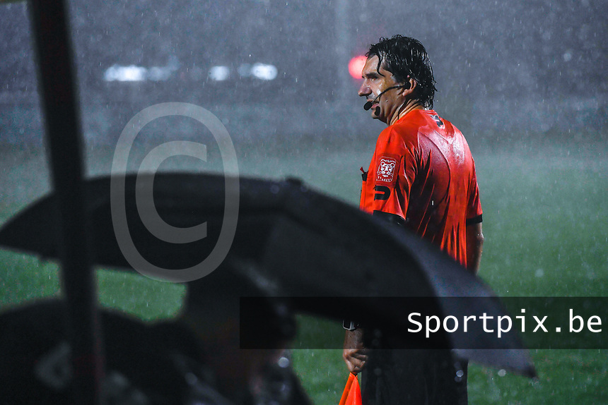 assistant referee Erwin Hermans pictured during a female soccer game between  Racing Genk Ladies and Sporting du pays de Charleroi on the fourth matchday of the 2021-2022 season of the Belgian Scooore Womens Super League , friday 10 September 2021  in Genk , Belgium . PHOTO SPORTPIX | STIJN AUDOOREN
