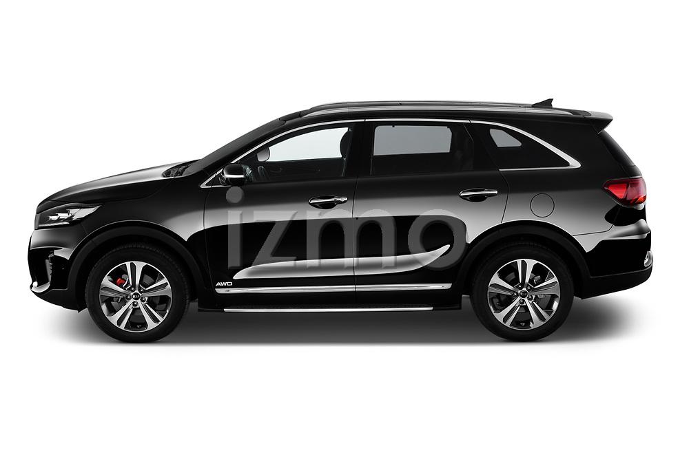 Car driver side profile view of a 2018 KIA Sorento GT Line 5 Door SUV