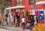 Cabo Verde, Kaap Verdie, KaapVerdie, sal kaapverdie santa maria 2017<br /> Santa Maria, officieel  is een plaats in het zuiden van het Kaapverdische eiland Sal met 6.272 inwoners. Met de opkomst van het toerisme heeft de plaats bekendheid gekregen en is het toerisme de voornaamse inkomstenbron<br /> Kaapverdië, dat behoort tot de geografische regio Ilhas de Barlavento<br />   foto  Michael Kooren<br /> streets of  Santa Maria  sunshine, streetlife, shops, bars, restaurants,  african Artists, african Art , senegal