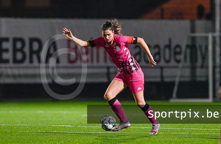 Noemie Fourdin (11) of Sporting Charleroi pictured during a female soccer game between Sporting Charleroi and SV Zulte-Waregem on the 12 th matchday of the 2020 - 2021 season of Belgian Scooore Womens Super League , friday 29 th of January 2021  in Marcinelle , Belgium . PHOTO SPORTPIX.BE | SPP | DAVID CATRY