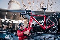 mechanic Glen Leven of Team trek-Segafredo at work<br /> <br /> 76th Paris-Nice 2018<br /> stage 6: Sisteron > Vence (198km)