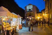 Italie, Val d'Aoste, Bard, Marché de Noël // Italy, Aosta Valley, Bard: Christmas market