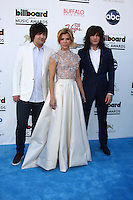 LOS ANGELES -  MAY 19:  The Band Perry arrives at the Billboard Music Awards 2013 at the MGM Grand Garden Arena on May 19, 2013 in Las Vegas, NV