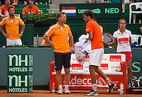 Austria, Kitzbühel, Juli 17, 2015, Tennis, Davis Cup, Second match between Robin Haase (NED) and Andreas Haider-Maurer (AUT), pitcured: Robin Haase during changeover with captain Jan Siemerink<br /> Photo: Tennisimages/Henk Koster
