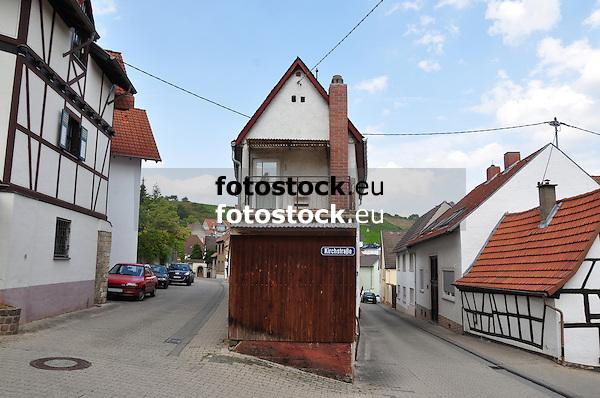 Kirchstraße in Gau-Bischofsheim