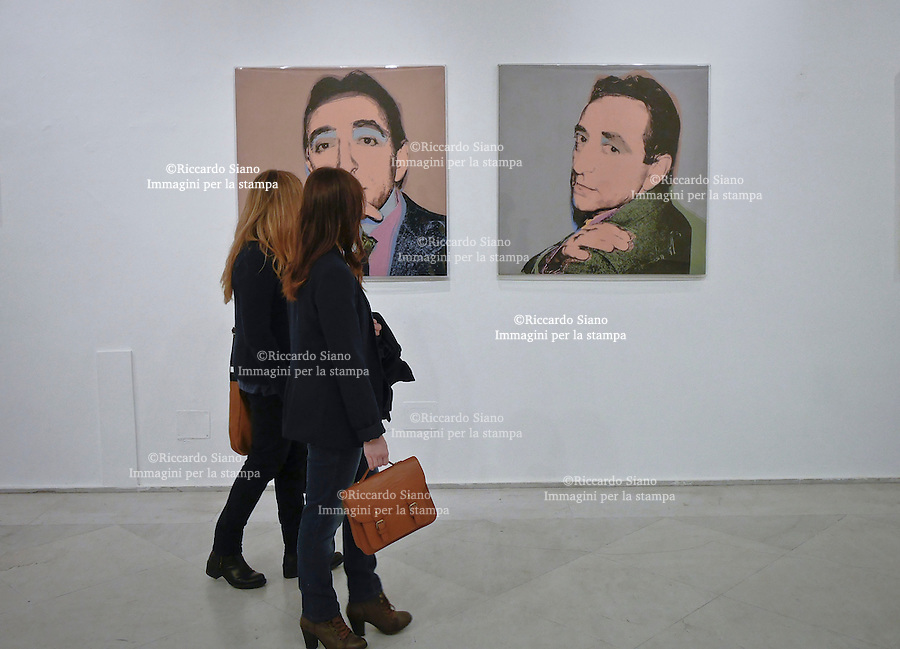 - NAPOLI 21 APR -  Pasquetta in città.  Museo PAN  mostra  Andy Warhol