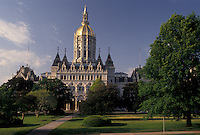 AJ4394, Hartford, State Capitol, State House, Connecticut, The State Capitol Building with its gold-leaf dome in the capital city of Hartford in the state of Connecticut.