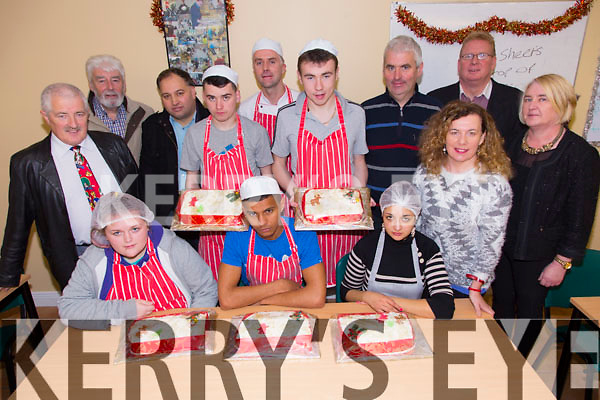 Students from the Catering Course at Tralee Community Training Centre made 5 cakes and donated them to St. Vincent De Paul. Pictured here on Tuesday are Laura Cronin, Jordan Gallagher, Adelinas Sorin, George Dineen, Johnny Wall, Michael O'Mahony, Jordan Hallissey, Ger Carey, John O'Brien, Seamus Moriarty, Treasa Walsh (St. Vincent De Paul), Mark Charlton, Miriam Ryan