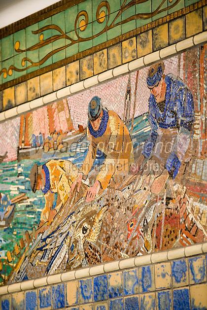 """Europe/France/Nord-Pas-de-Calais/59/Nord/Lille: """"L'Huitrière"""" """" rue des Chats Bossus détail des mosaiques art déco de la poissonnerie _ Mathurin Méheut"""