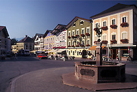 Austria, Mondsee, Salzkammergut, Oberosterreich, The summer resort town of Mondsee.