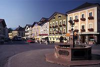 Austria, Mondsee, Salzkammergut, Oberosterreich, The summer resort town of Mondsee.