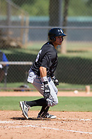 Chicago White Sox shortstop Ramon Beltre (6) starts down the first base line during an Instructional League game against the Los Angeles Dodgers on September 30, 2017 at Camelback Ranch in Glendale, Arizona. (Zachary Lucy/Four Seam Images)