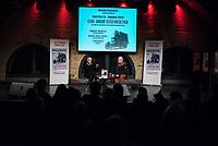 """Konzert """"Eine Salve Gegenkultur"""" fuer die Melodie & Rhythmus im Maschinenhaus der Kulturbrauerei am Freitag den 25. Januar 2019.<br /> Im Bild: Der oesterreichische Pressefotograf Robert Newald im Gespraech mit der Chefredakteurin der Melodie & Rhytus, Susann Witt-Stahl.<br /> 25.1.2019, Berlin<br /> Copyright: Christian-Ditsch.de<br /> [Inhaltsveraendernde Manipulation des Fotos nur nach ausdruecklicher Genehmigung des Fotografen. Vereinbarungen ueber Abtretung von Persoenlichkeitsrechten/Model Release der abgebildeten Person/Personen liegen nicht vor. NO MODEL RELEASE! Nur fuer Redaktionelle Zwecke. Don't publish without copyright Christian-Ditsch.de, Veroeffentlichung nur mit Fotografennennung, sowie gegen Honorar, MwSt. und Beleg. Konto: I N G - D i B a, IBAN DE58500105175400192269, BIC INGDDEFFXXX, Kontakt: post@christian-ditsch.de<br /> Bei der Bearbeitung der Dateiinformationen darf die Urheberkennzeichnung in den EXIF- und  IPTC-Daten nicht entfernt werden, diese sind in digitalen Medien nach §95c UrhG rechtlich geschuetzt. Der Urhebervermerk wird gemaess §13 UrhG verlangt.]"""