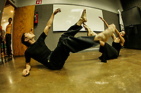 Mariana Satarain y Benjamin Lozano de la escuela de artes opción danza hicieron una breve presentación de titulada ¨Yucali¨ pala los asistentes al inicio del programa ¨Telon Abierto¨ para las acreditaciones  de actividades culturales orientado a la formación de públicos para las artes, todo como parte del primer foto Culturest de la Universidad de Sonora