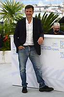 CANNES, FRANCE. July 8, 2021: Francois Ozon at the photocall for Everything Went Fine at the 74th Festival de Cannes.<br /> Picture: Paul Smith / Featureflash