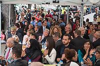 Bundespraesident Joachim Gauck nahm am Montag den 13. Juni 2016 in Berlin Moabit an einem gemeinsamen Fastenbrechen it Muslimen teil.<br /> 13.6.2016, Berlin<br /> Copyright: Christian-Ditsch.de<br /> [Inhaltsveraendernde Manipulation des Fotos nur nach ausdruecklicher Genehmigung des Fotografen. Vereinbarungen ueber Abtretung von Persoenlichkeitsrechten/Model Release der abgebildeten Person/Personen liegen nicht vor. NO MODEL RELEASE! Nur fuer Redaktionelle Zwecke. Don't publish without copyright Christian-Ditsch.de, Veroeffentlichung nur mit Fotografennennung, sowie gegen Honorar, MwSt. und Beleg. Konto: I N G - D i B a, IBAN DE58500105175400192269, BIC INGDDEFFXXX, Kontakt: post@christian-ditsch.de<br /> Bei der Bearbeitung der Dateiinformationen darf die Urheberkennzeichnung in den EXIF- und  IPTC-Daten nicht entfernt werden, diese sind in digitalen Medien nach §95c UrhG rechtlich geschuetzt. Der Urhebervermerk wird gemaess §13 UrhG verlangt.]