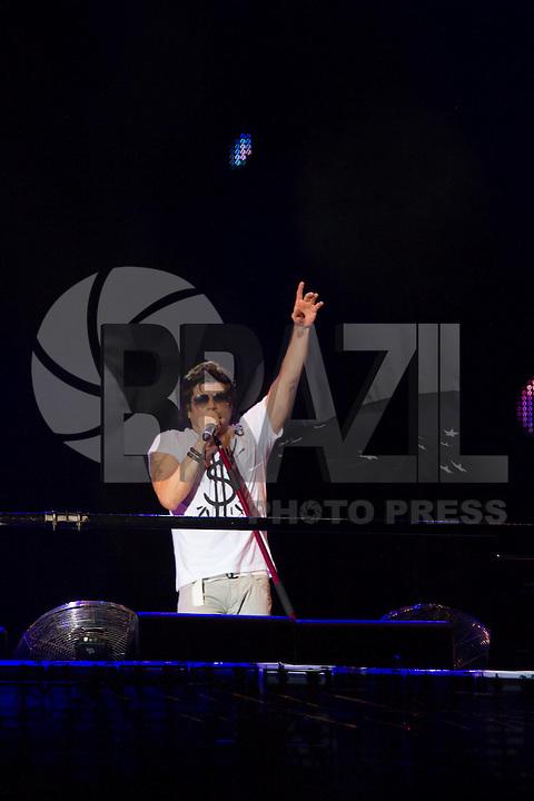 SAO PAULO, SP, 31.12.2013 - REVEILLON NA PAULISTA - Paulo Ricardo durante 17ª edição do Réveillon na Paulista região central de São Paulo nesta quarta-feira (31). (Foto: Marcelo Brammer / Brazil Photo Press).