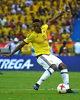 BARRANQUILLA - COLOMBIA -08-10-2015: Yerry Mina jugador de Colombia en acción durante partido entre Colombia y Bolivia por la fecha 13 de la clasificatoria a la Copa Mundial de la FIFA Rusia 2018 jugado en el estadio Metropolitano Roberto Melendez en Barranquilla. / Yerry Mina player of Colombia in action during the match between Colombia and Bolivia for the date 13 of the qualifier to FIFA World Cup Russia 2018 played at Metropolitan stadium Roberto Melendez in Barranquilla. Photo: VizzorImage / Alfonso Cervantes / Cont