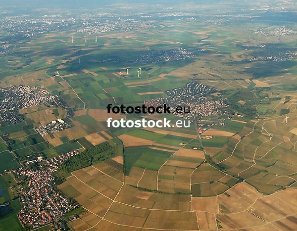 Luftaufnahme von Nieder-Olm (links Mitte), Sörgenloch (links unten) und Zornheim (Mitte) in Rheinhessen