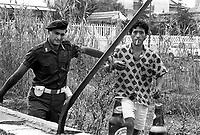 - detention of a clandestine North African immigrant in Villa Literno(Caserta) ....- arresto di un immigrato nordafricano clandestino a Villa Literno (Caserta)