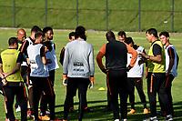 BOGOTA - COLOMBIA – 27 - 02 - 2018: Fabio Carille (Der.), tecnico de Corinthians (BRA), da instrucciones a los jugadores durante entreno previo al partido entre Millonarios (COL) y Corinthians (BRA), de la fase de grupos, grupo 7, fecha 1 de la Copa Conmebol Libertadores 2018, en el estadio El Campincito, de la ciudad de Bogota. / Fabio Carille (R), coach of Corinthians (BRA), gives instructions to the players during a traning sesión before a match between Millonarios (COL) and Corinthians (BRA), of the group stage, group 7, 1st date for the Conmebol Copa Libertadores 2018 in the El Campincito Stadium in Bogota city. VizzorImage / Luis Ramirez / Staff.