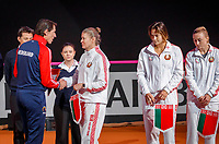 The Hague, The Netherlands, Februari 7, 2020,    Sportcampus, FedCup  Netherlands -  Balarus, Captais exchanging flags<br /> Photo: Tennisimages/Henk Koster