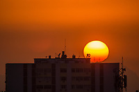 RJ. Rio e Janeiro. 16.08.2020 CLIMA TEMPO Amanhecer deste domingo, (16), vista do bairro das Laranjeiras, zona sul. (Foto: Ellan Lustosa / Código 19).