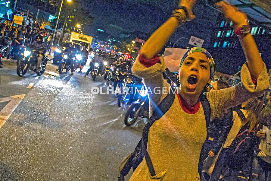 Manifestaçao Muda Brasil. Movimento Passe Livre, MPL. Sao Paulo. 2013. Foto de Alf Ribeiro.