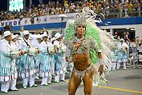 SÃO PAULO, SP, 15.02.2015, CARNAVAL 2015 - SÃO PAULO - GRUPO ESPECIAL / X-9 PAULISTANA: Gracyanne Barbosa da escola de samba X-9 Paulistana, durante desfile do grupo especial do Carnaval de São Paulo, na madrugada deste domingo, 15. (Foto: Levi Bianco / Brazil Photo Press).