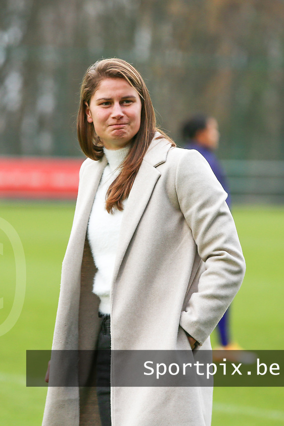 Elien Charlier of Standard pictured during the warm up before  a female soccer game between Standard Femina de Liege and RSC Anderlecht on the 9th matchday of the 2020 - 2021 season of Belgian Scooore Womens Super League , saturday 12 th of December 2020  in Angleur , Belgium . PHOTO SPORTPIX.BE | SPP | SEVIL OKTEM