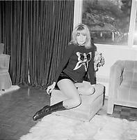 L'actrice quebecoise Mariette Levesque (apres ski) vers 1970<br /> (date inconnue)<br /> <br /> Photo : Agence Quebec Presse - Roland Lachance