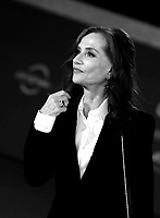 """French actress Isabelle Huppert poses on the red carpet for the screening of the film """"Les Discours"""" during the 15th Rome Film Festival (Festa del Cinema di Roma) at the Auditorium Parco della Musica in Rome on October 19, 2020.<br /> UPDATE IMAGES PRESS/Isabella Bonotto"""