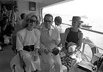 KARL LAGERFELD CON LYNN WYATT E PIA LINDSTROM<br /> VENEZIA 1983