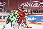 Alexander Karachun (Duesseldorfer EG, Nr. 24) wird von Mathew Bodie (ERC Ingolstadt, Nr. 22) angegriffen<br /> im Spiel der Duesseldorfer EG gegen den ERC Ingolstadt (Penny DEL, 07.04..2021)<br /> <br /> Foto © PIX-Sportfotos *** Foto ist honorarpflichtig! *** Auf Anfrage in hoeherer Qualitaet/Aufloesung. Belegexemplar erbeten. Veroeffentlichung ausschliesslich fuer journalistisch-publizistische Zwecke. For editorial use only.
