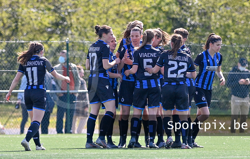 Elle Decorte (7) of Club Brugge pictured celebrating  with teammates after scoring a goal during a female soccer game between Club Brugge Dames YLA and RSC Anderlecht on the fourth matchday in Play-Off 1 of the 2020 - 2021 season of Belgian Scooore Womens Super League , saturday 1st May 2021  in Brugge , Belgium . PHOTO SPORTPIX.BE | SPP | DAVID CATRY