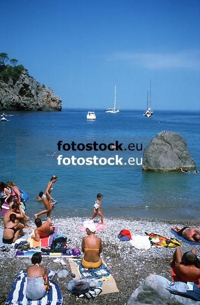 Cala Deia at the west coast of Majorca<br /> <br /> Cala Deià<br /> <br /> Buch von Deia an der Westküste von Mallorca<br /> <br /> 3698 x 2425 px<br /> 150 dpi: 62,62 x 41,06 cm<br /> 300 dpi: 31,31 x 20,53 cm<br /> Original: 35 mm slide transparency