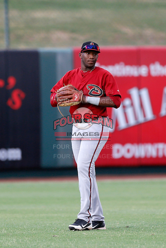 Justin Williams #19 of the AZL Diamondbacks during a game against the AZL Angels at Tempe Diablo Stadium on July 14, 2013 in Goodyear, Arizona. AZL Angels defeated the AZL Diamondbacks, 5-3. (Larry Goren/Four Seam Images)
