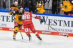 Eishockey: Deutschland – Tschechien am 01.05.2021 in der ARENA Nürnberger Versicherung in Nürnberg<br /> <br /> Deutschlands Daniel Schmölz (Nr.25) wird von Tschechiens Peter Koditek (Nr.88) gecheckt<br /> <br /> Foto © Duckwitz/osnapix/PIX-Sportfotos *** Foto ist honorarpflichtig! *** Auf Anfrage in hoeherer Qualitaet/Aufloesung. Belegexemplar erbeten. Veroeffentlichung ausschliesslich fuer journalistisch-publizistische Zwecke. For editorial use only.