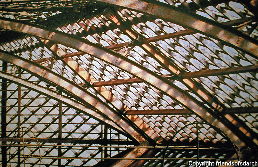 Glass roof of Oxford University Museum supported by cast iron pillars. Oxford, England.
