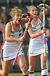 NED - Amsterdam, Netherlands, August 20: During the women Pool B group match between Germany (white) and England (red) at the Rabo EuroHockey Championships 2017 August 20, 2017 at Wagener Stadium in Amsterdam, Netherlands. Final score 1-0. (Photo by Dirk Markgraf / www.265-images.com) *** Local caption *** Marie Maevers #23 of Germany (left), Cecile Pieper #22 of Germany
