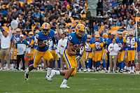 Pitt tight end Scott Orndoff scores on a 74-yard touchdown catch. The Pitt Panthers defeated the Georgia Tech Yellow Jackets 37-34 at Heinz Field in Pittsburgh, Pennsylvania on October 08, 2016.
