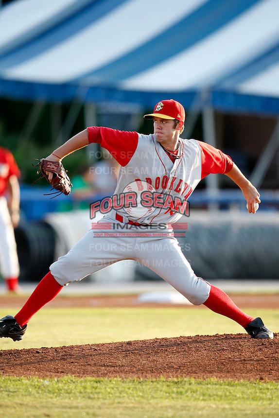 August 5, 2009:  Starting Pitcher Darin Gorski (15) of the Brooklyn Cyclones delivers a pitch during a game at Dwyer Stadium in Batavia, NY.  Brooklyn is the Short-Season Class-A affiliate of the New York Mets.  Photo By Mike Janes/Four Seam Images