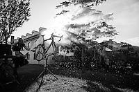 mechanic Igor Turk cleaning the bikes post-race<br /> <br /> stage 19: Medina del Campo - Avila (186km)<br /> 2015 Vuelta à Espana