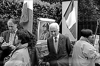 A Mezzegra, Tremezzo, sul lago di Como, tutti gli anni, il 28 Aprile,  nostalgici del fascismo si ritrovano davanti alla casa dove il Duce fu giustiziato