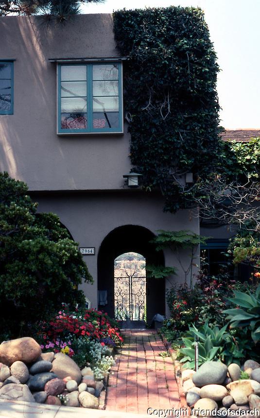 Irving Gill: Wheeler J. Bailey House. Elevation, apartment. 1932. (Photo 2000)