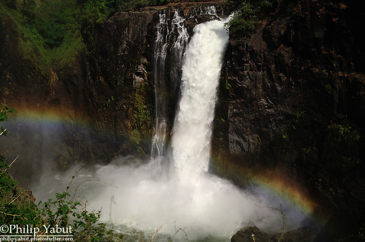 Rainbow in Devil's Cataract, Victoria Falls.
