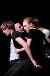 REZO....Choregraphie : Sylvie Pabiot..Compagnie : Wejna..Decor : ..Lumiere : ..Costumes : ..Avec :..Alexandre Da Silva, Laurent Gibeaux, Martin Grandperret, Nikola Krizkova, Sarah Pellerin..Lieu : Centre National de la Danse..Ville : Pantin..Le : 01 12 2009..© Laurent PAILLIER / photosdedanse.com..All rights reserved