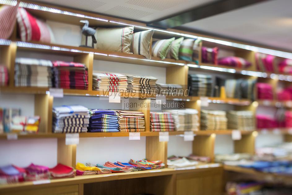 France, Pyrénées-Atlantiques (64), Pays-Basque,  Ascain: Atelier de tissage de linge basque ,  Lartigue 1910, la boutique  // France, Pyrenees Atlantiques, Basque Country, Ascain, Basque weaving, Lartigue 1910 , the shop