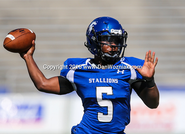 2016 HS Football: Cotton Bowl Stadium Prep Showcase- Lakeview Centennial vs North Mesquite